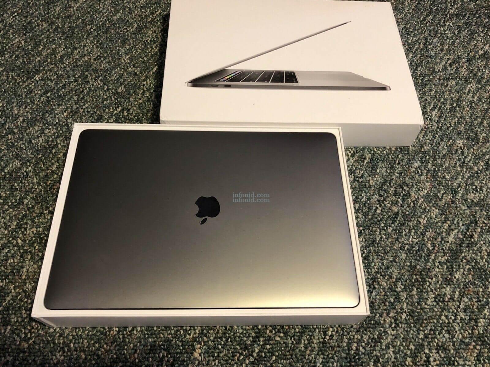 MacBook pro 2017 15inch screen retina i7 2tb 16gb touch bar